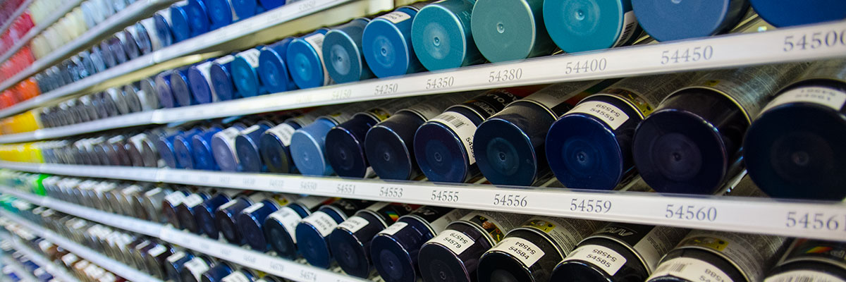 Laaja valikoima spray maaleja